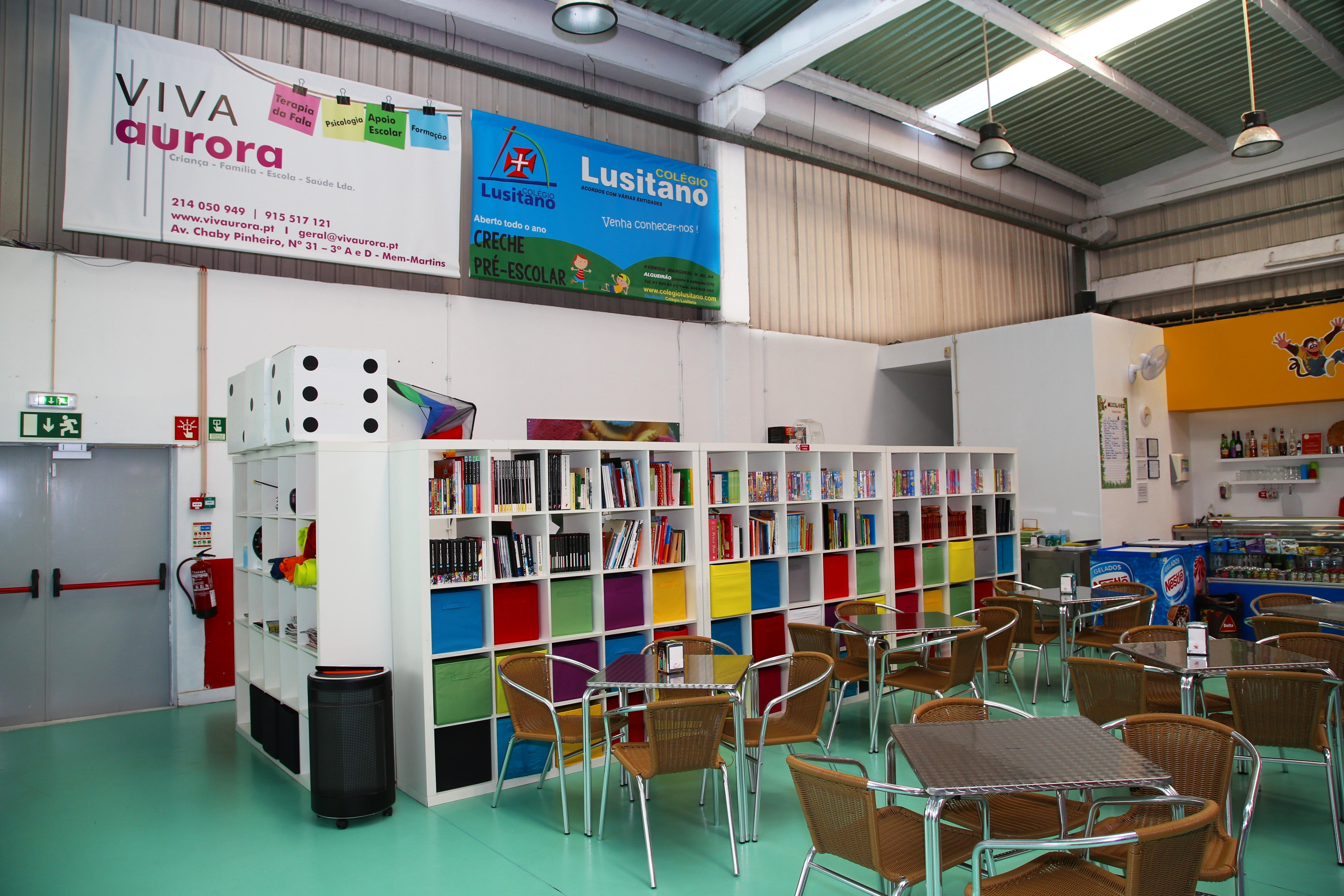 Esplanada Interior e Biblioteca do Mico